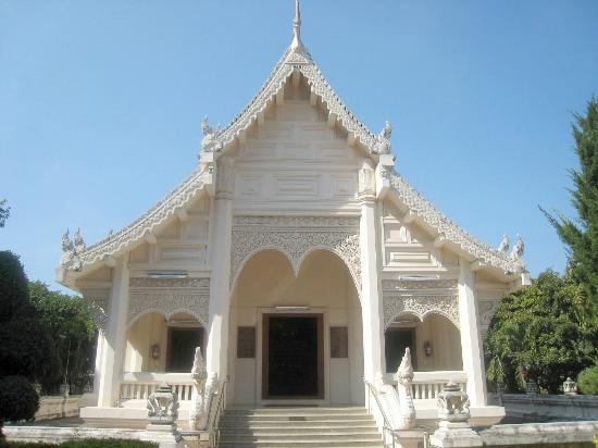 เมืองแพร่, ไทย: This lovely white viharn houses a Naga protected Buddha image