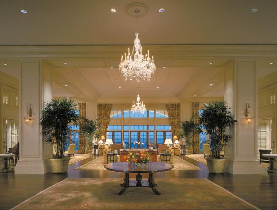 The Sanctuary Hotel at Kiawah Island Golf Resort: Entrance to the Lobby