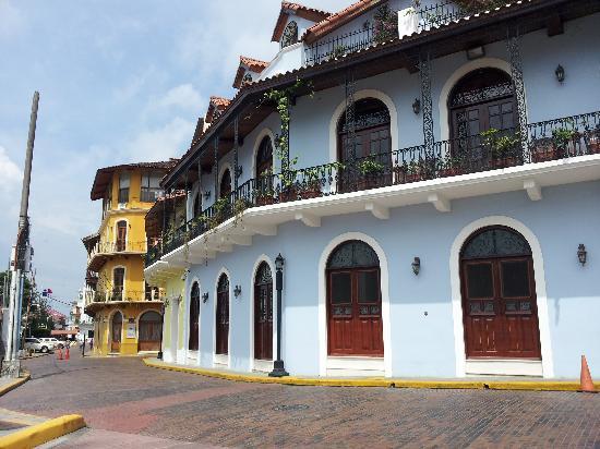 Casco Viejo: Old Buildings