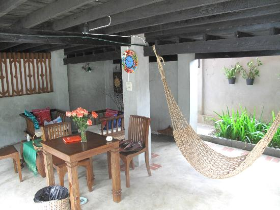 Chiang Mai Summer Resort: living area downstairs of villa 3