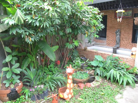 Chiang Mai Summer Resort: decoration 3