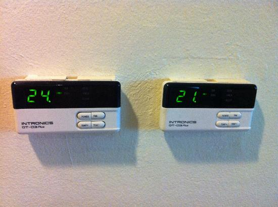 New Season Hotel: Separate air-con controls for the living and sleeping area - Nice.