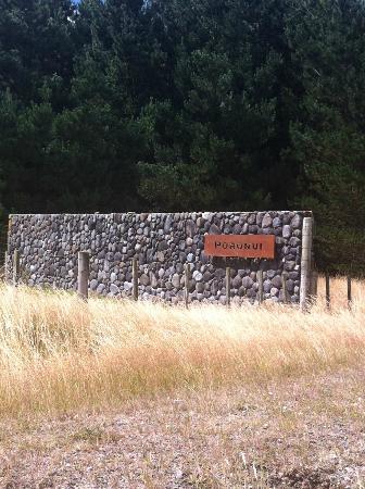 Poronui : entrance gate