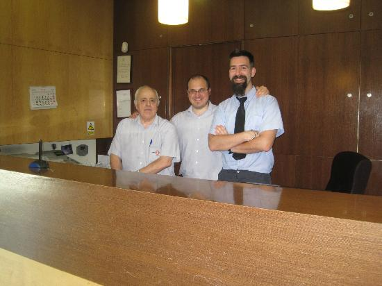 Hotel Flora Parc: recepcion