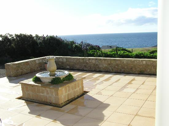 Seaview Lodge Hotel : Seaview from Tuscan style garden