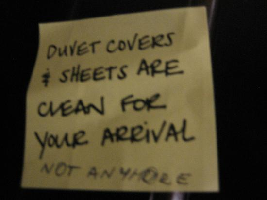 Hampton Inn & Suites Swansboro / near Camp Lejeune at Bear Creek Gate: Hampton Inn & Suites Swansboro Honor System - dirty sheets