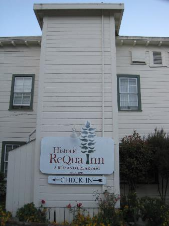 Historic Requa Inn: Side of inn
