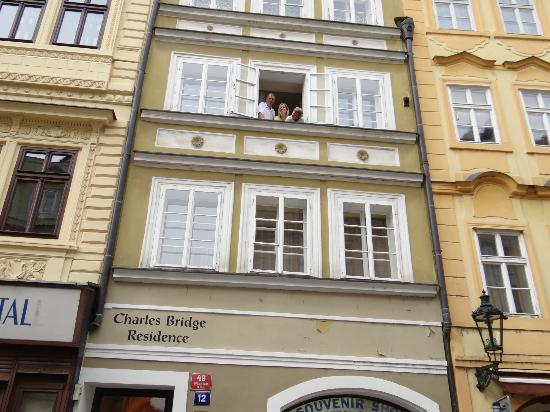 Charles Bridge Residence: View from street