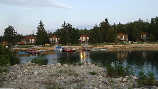 White Sea Resort: Cabins from the point