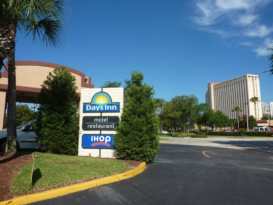 Days Inn Orlando Convention Center/International Drive: IHOP e Hotel