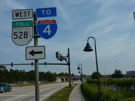 Days Inn Orlando Convention Center/International Drive: International Drive, próximo ao Hotel 