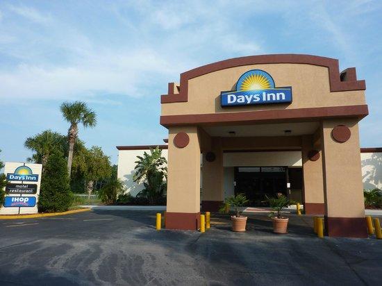 Days Inn Orlando Convention Center/International Drive: Fachada da recepção do Hotel 
