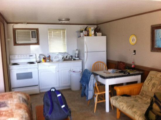 Snug Harbor Marina and Cottages: Kitchen area from the door