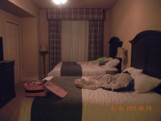 Lake Eve Resort: Bedroom #2 (2 queen size)