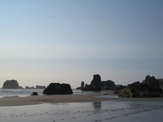 Lighthouse Bed and Breakfast: Bandon Beach--beautiful!