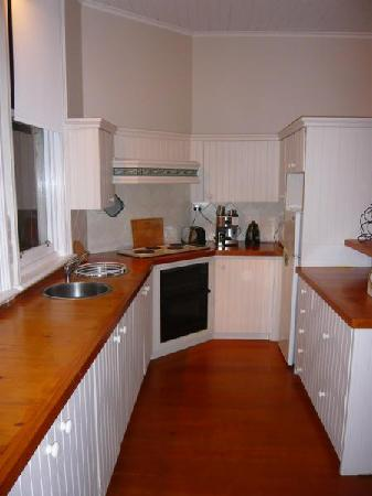 St Arnaud Old Post Office Apartments: Shared Kitchen