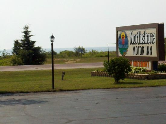 Northshore Motel : view of Lake Michigan from the motel