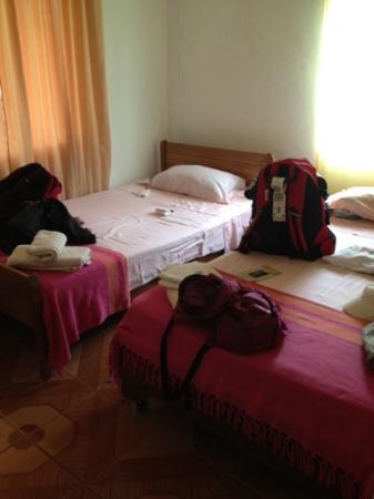 Hostal Chez Oscar: habitacion