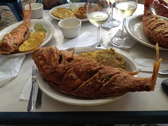 Salitre Meson Costero: Fresh fried red snapper