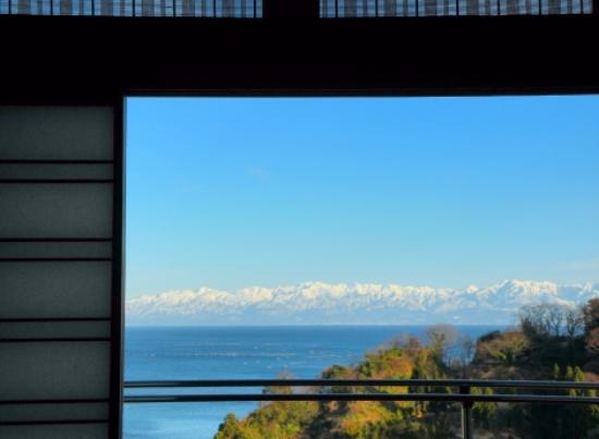 KudenhamaOnsen Himinohana: 客室から美しい富山湾を望める