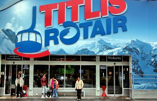 Alpin Center Interlaken : Starting Point for Cable Car journey to Mt. Titlis