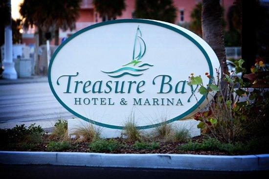 Treasure Bay Resort & Marina: Exterior Sign