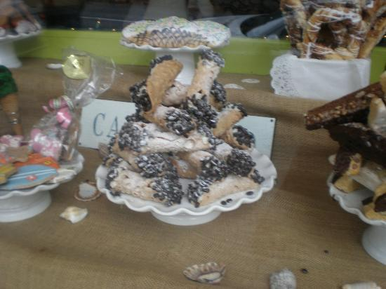 Carmel Bakery: Cannoli dipped in espresso beans?  In the window display