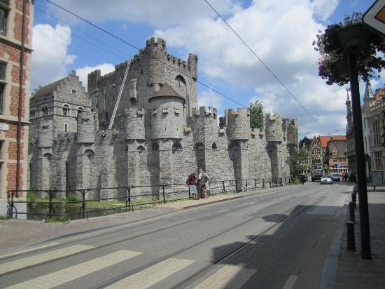Hotel Gravensteen: Castle of the Counts, just round the corner