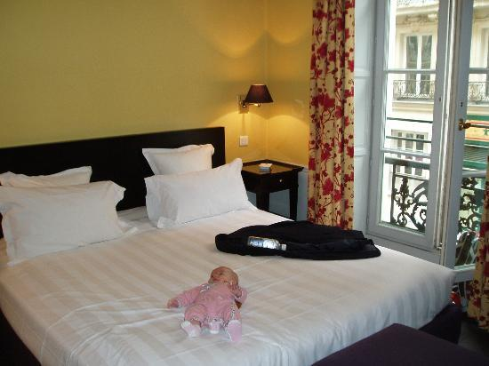 Hotel le Lavoisier: Room
