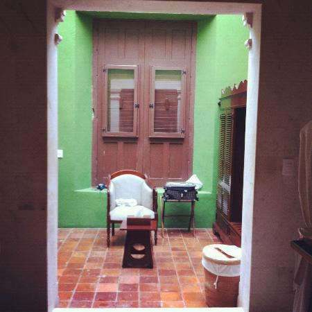 Hacienda Puerta Campeche, A Luxury Collection Hotel, Campeche: Room, bathroom with skylight