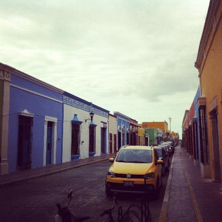 Hacienda Puerta Campeche, A Luxury Collection Hotel: View of the street leading to the hacienda