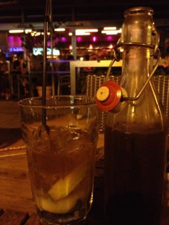 Rochus: fresh mint and lime iced tea