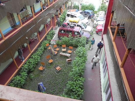 Kargil, India: Courtyard in the morning