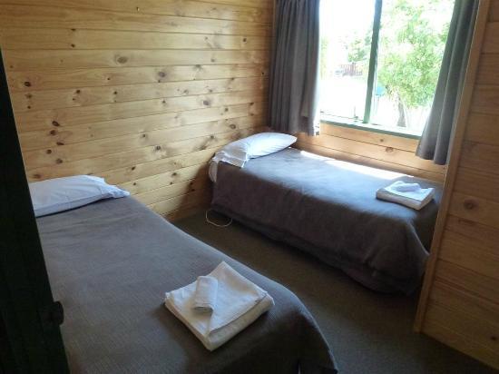 Whangarei TOP 10 Holiday Park: Habitación 2 camas