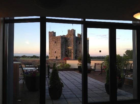Trim Castle Hotel: view from the 3rd floor as you walk out of lift looking out onto rooftop garden