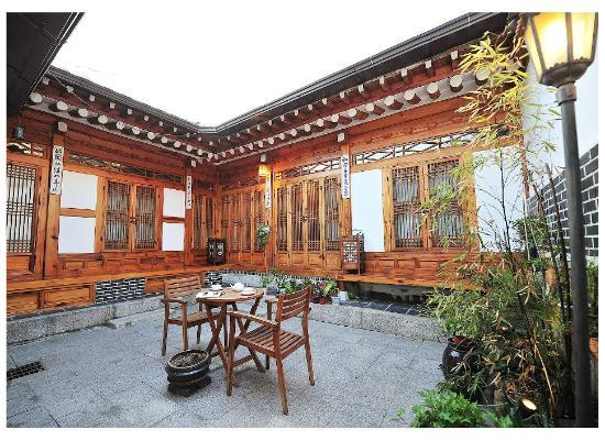 Anguk Guesthouse : 내부