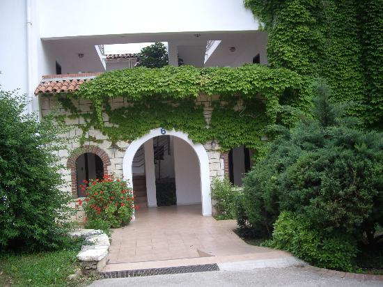 Belconti Resort Hotel : entrée d'une résidence