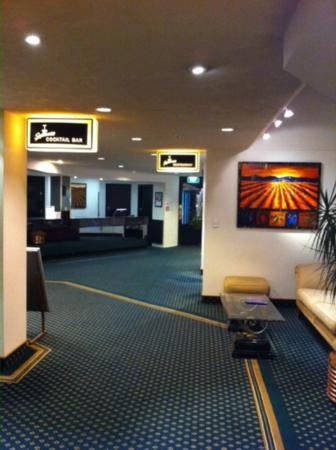 Scenic Hotel Marlborough: Ultra modern rooms with wonderful 70's style communal areas