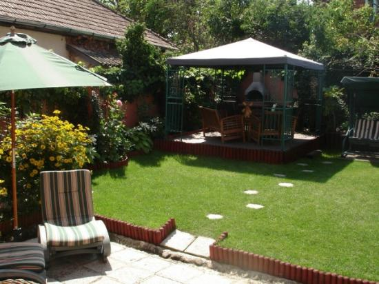 Villa - Hotel ESCALA: Garden