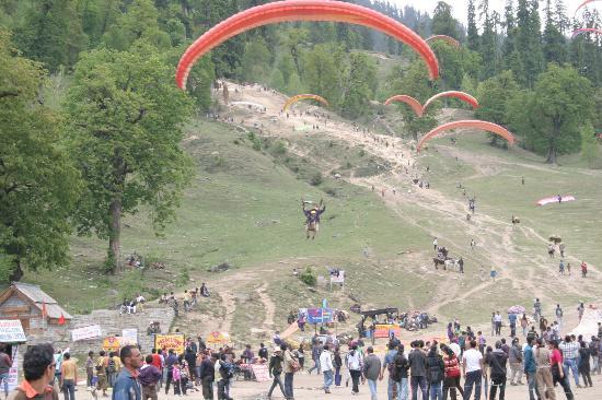 Solang-Nullah : Paragliding