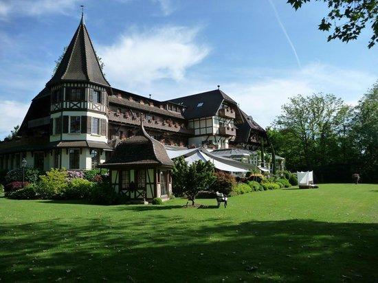 La Pinte du Vieux Manoir: Vue du jardin