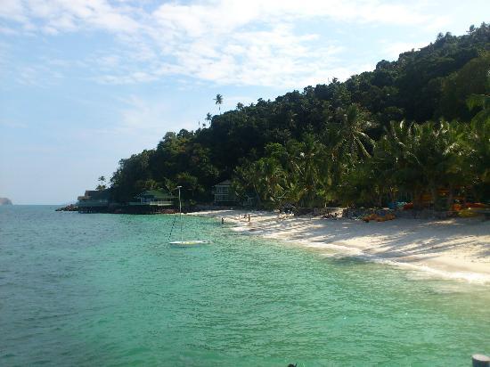 Rawa Island Resort: view of resort and beach