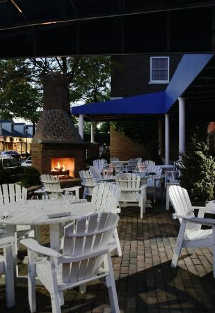 Tidewater Inn: Patio Fireplace Lit