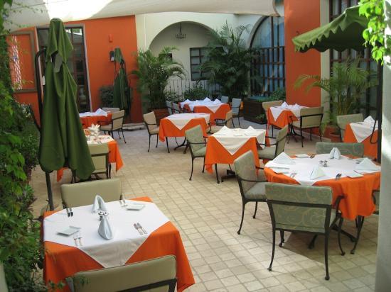 Sky Lounge Bar : Guaycura Restaurant