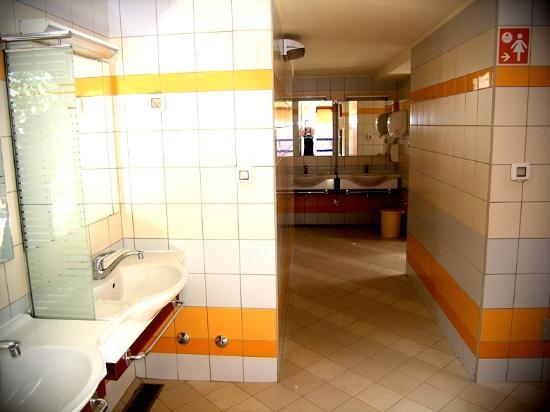 Camping Cikat: camp Čikat - toilets, washroom