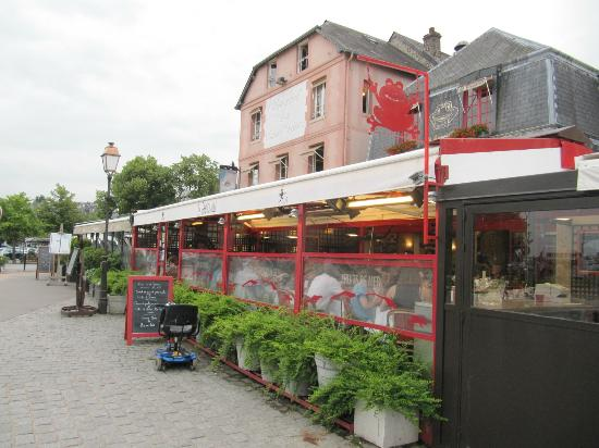 Bistro La Grenouille : View of La Grenouille from the outside
