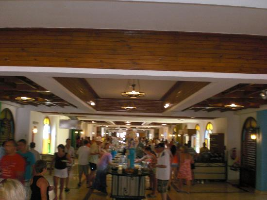 The Desert Rose Resort: the food court
