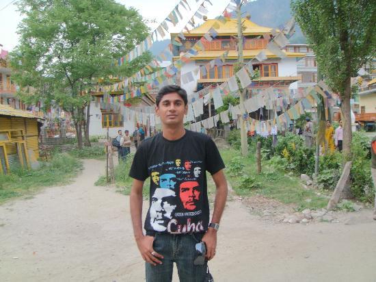 Kunzam Hotel: Tibetan Monastery