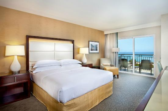 Cape Rey Carlsbad, a Hilton Resort: Ocean View Room