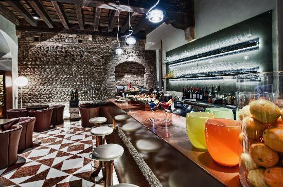 Victoria Lounge Cafe